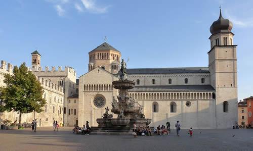 500-Trento-Piazza_del_Duomo