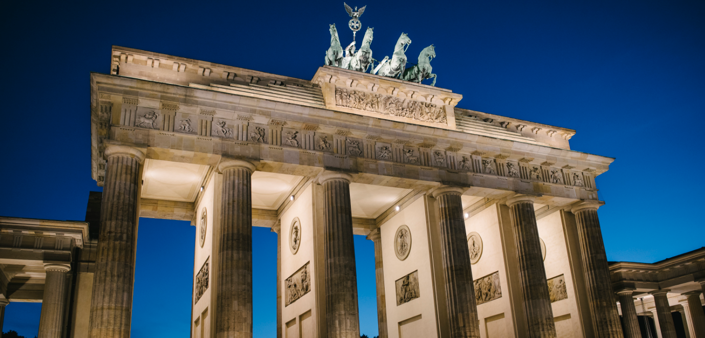Emejing soggiorno berlino ideas idee arredamento casa for Arredamento tedesco